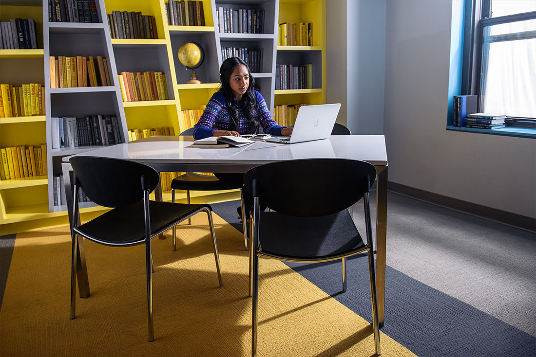 New Yorker Residence Study And Reading Lounge